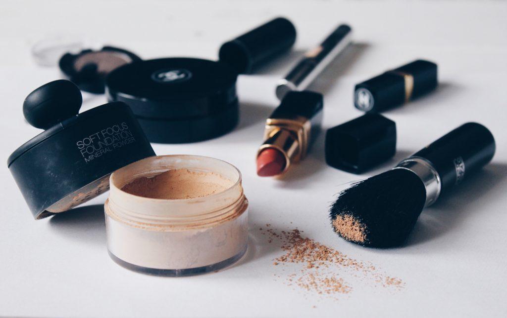 manchas de maquillaje